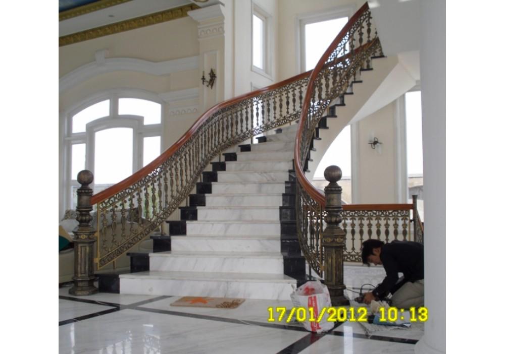 Cầu thang hợp kim nhôm